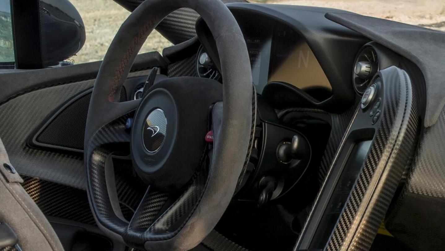 McLaren P1 2020 Interior 001