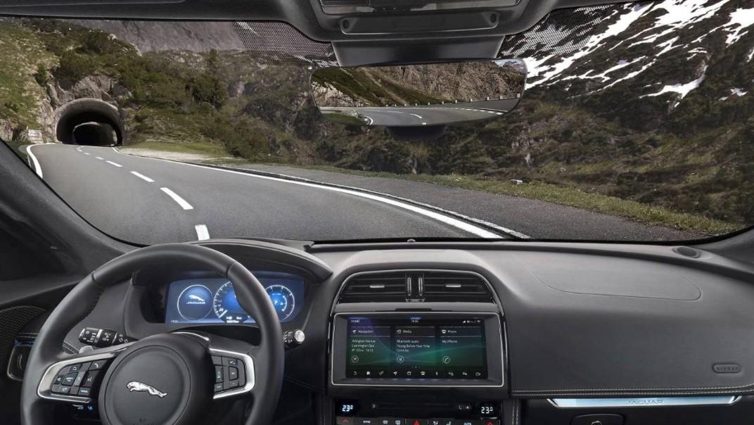Jaguar F-Pace 2020 Interior 001