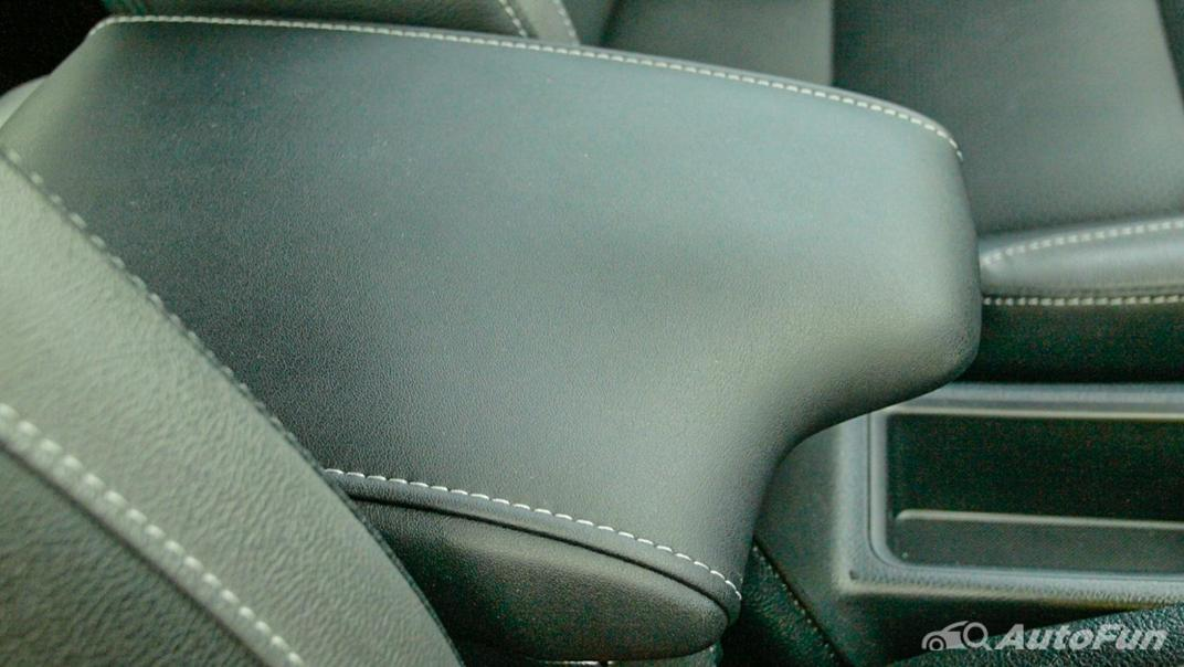 2020 Toyota Hilux Revo Double Cab 4x4 2.8High AT Interior 033