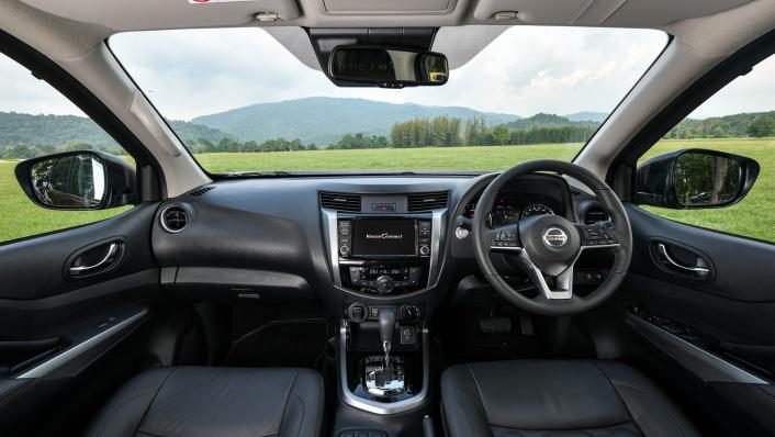 2021 2.3 Nissan Navara Double Cab 4WD VL 7AT Interior 001
