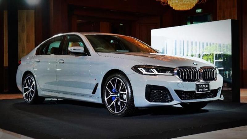 2021 Mercedes Benz E-Class ปะทะ BMW 5 Series และ Volvo S90 ศึกรถหรูขนาดกลาง กินกันยากนะงานนี้ 02