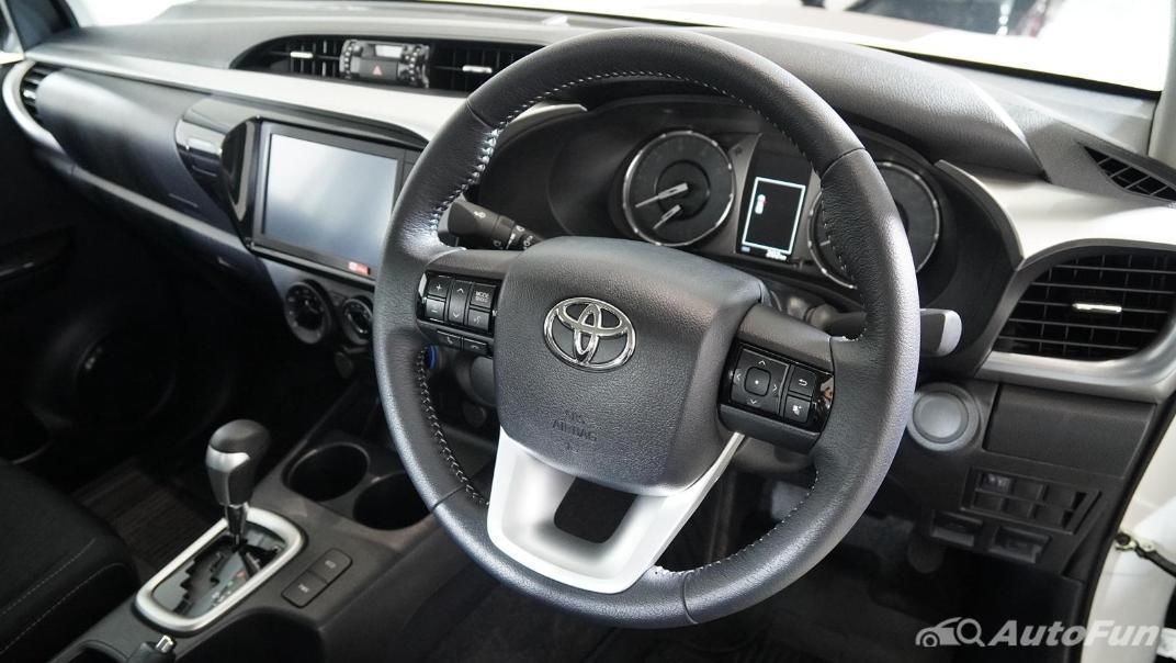 2021 Toyota Hilux Revo Double Cab Z Edition Interior 003