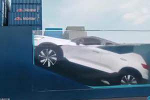 อย่าลองทำที่บ้าน! ชมคลิปรถไฟฟ้า 2021 Volvo XC40 Recharge โชว์ดำน้ำมิดท่วมคัน