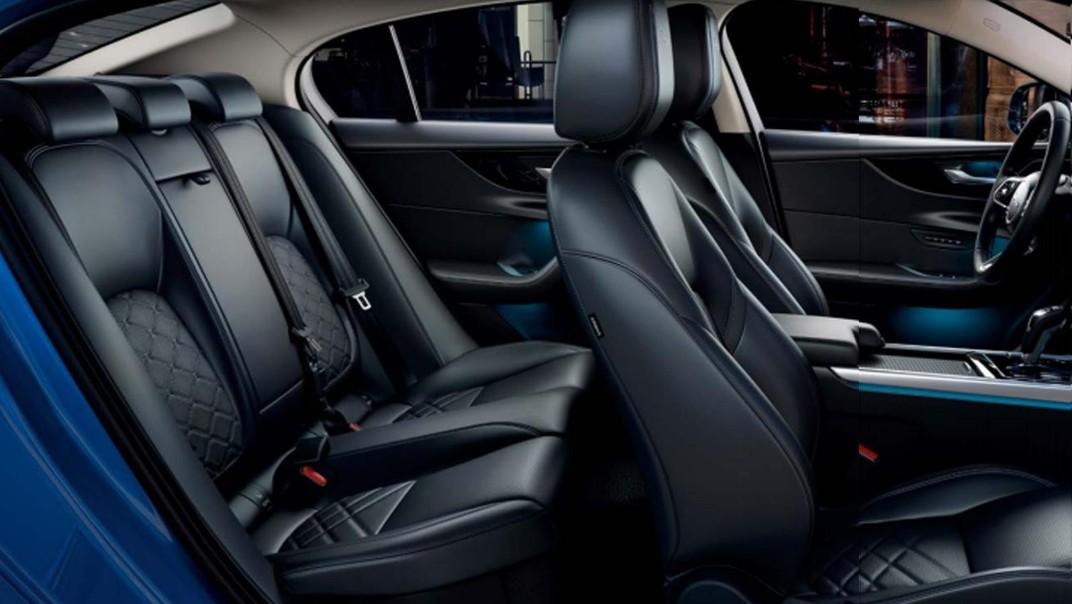 Jaguar XE Public 2020 Interior 003