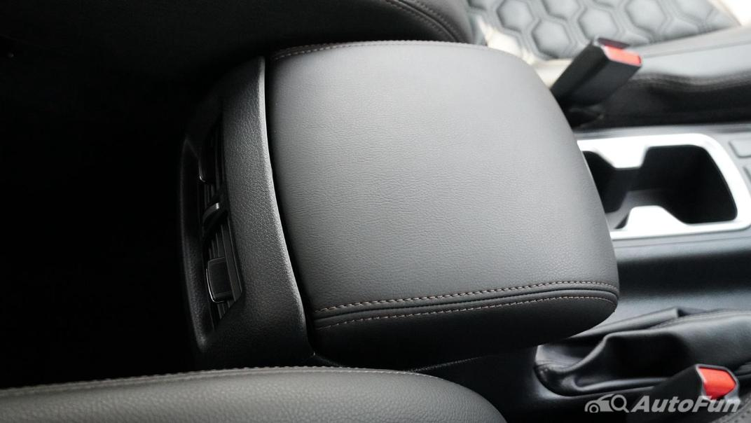 2021 Nissan Navara Double Cab 2.3 4WD VL 7AT Interior 030