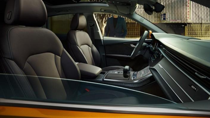 Audi Q8 2020 Interior 003