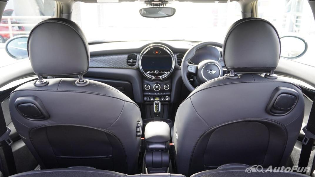 2021 MNI 3-Door Hatch Cooper S Interior 051