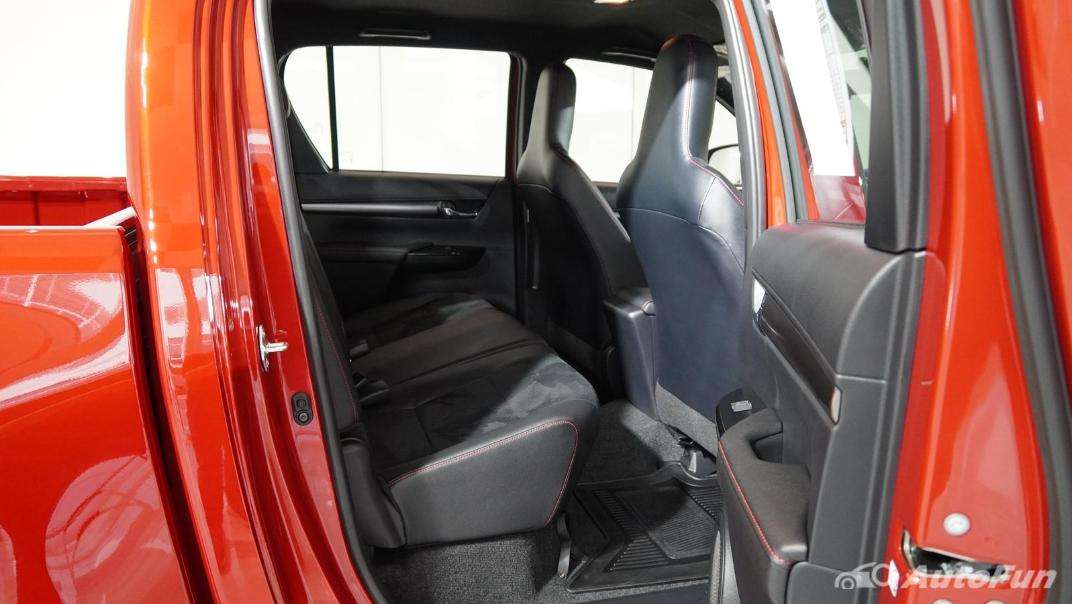 2021 Toyota Hilux Revo Double Cab 4x2 2.8 GR Sport AT Interior 015