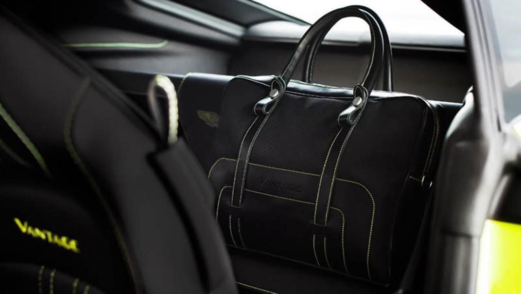 Aston Martin V8 Vantage Public 2020 Interior 004