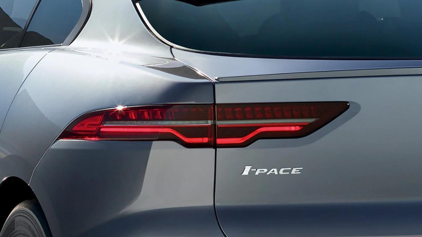 Jaguar E-Pace Public 2020 Exterior 004