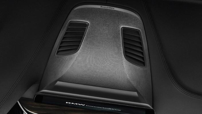 BMW 5-Series-Sedan 2020 Interior 008