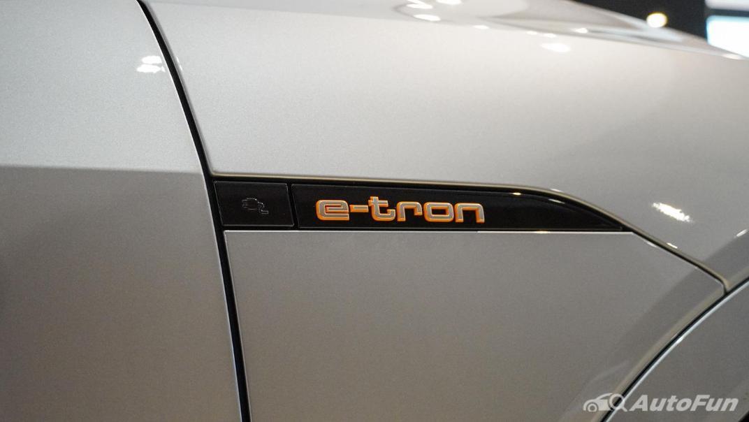 2020 Audi E Tron Sportback 55 quattro S line Exterior 079