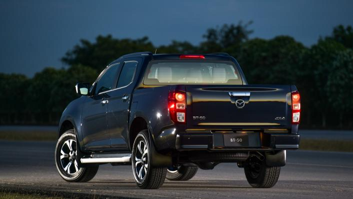 2021 Mazda BT-50 Double cab Upcoming Version Exterior 006