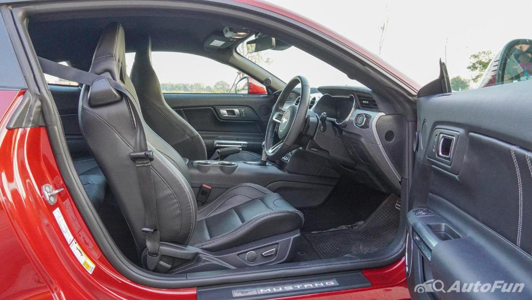 2020 Ford Mustang 2.3L EcoBoost Interior 045
