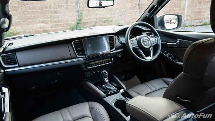 2021 Mazda BT-50 Pro Double Cab 1.9 SP Hi-Racer 6AT Interior 001