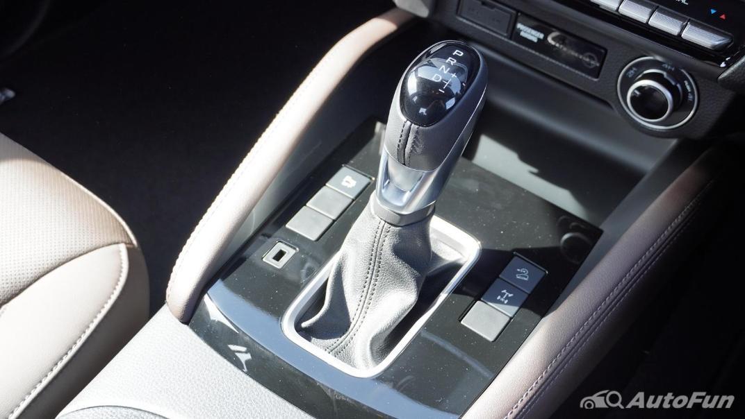 Mazda BT-50 Pro 2021 Interior 014