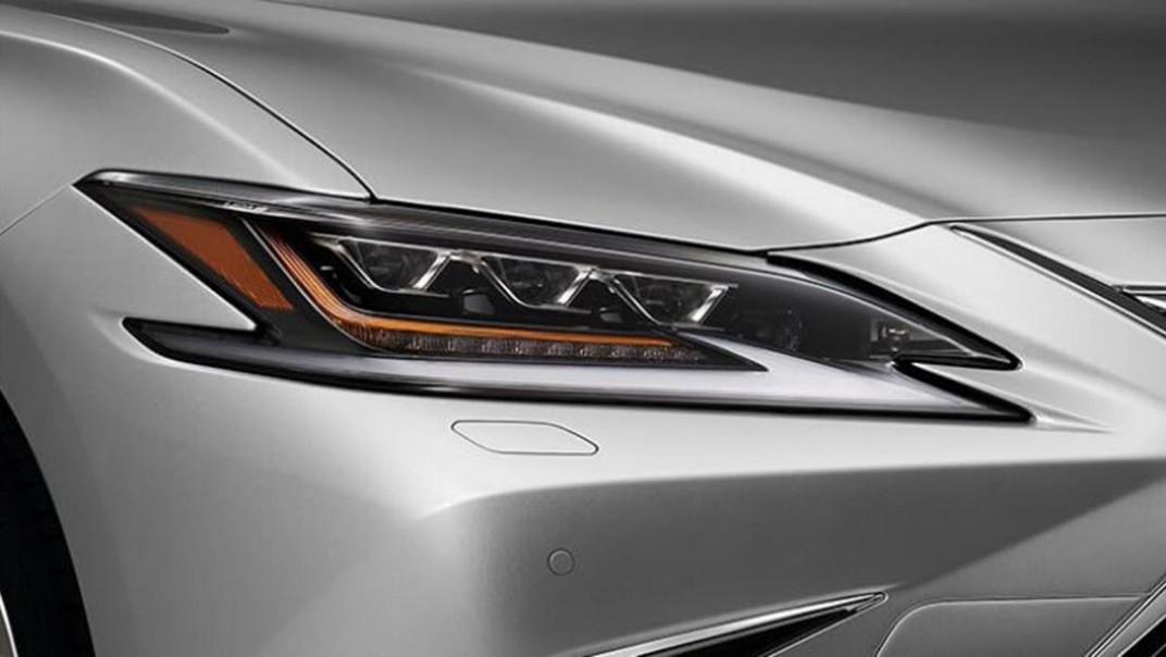 Lexus ES 2020 Exterior 015