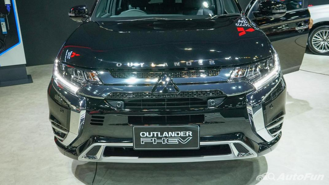 2021 Mitsubishi Outlander PHEV GT Exterior 015