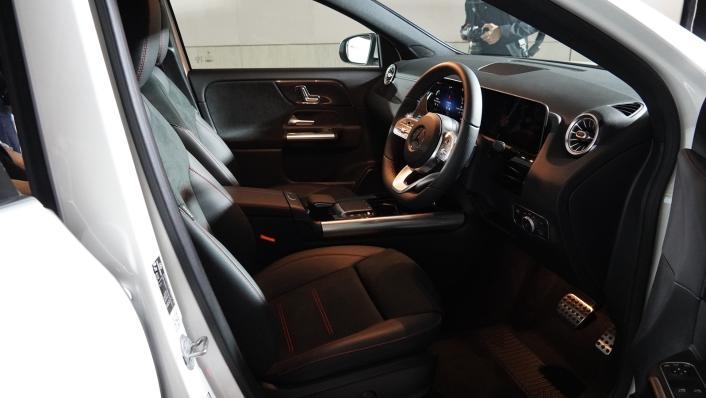2021 Mercedes-Benz GLA-Class 200 AMG Dynamic Interior 002