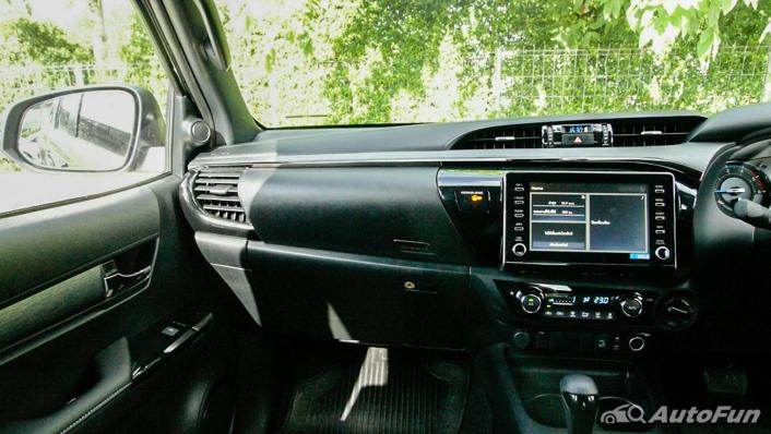 2020 Toyota Hilux Revo Double Cab 4x4 2.8High AT Interior 003