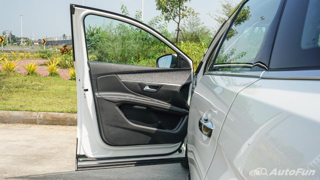 2020 Peugeot 5008 1.6 Allure Interior 014
