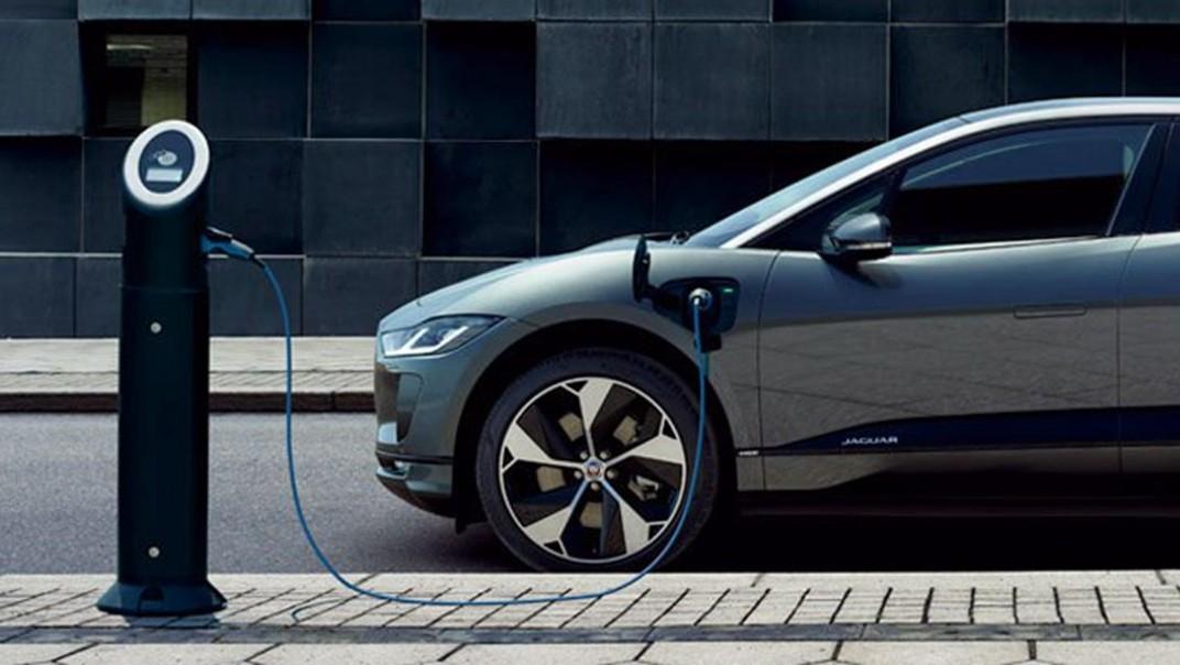 Jaguar I-Pace Public 2020 Exterior 007