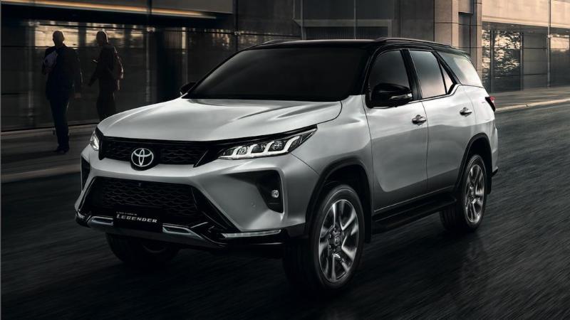 Toyota Fortuner รถอเนกประสงค์สายลุยพร้อมเครื่องยนต์ทรงพลัง ราคาเริ่ม 1.349 ล้านบาท 02
