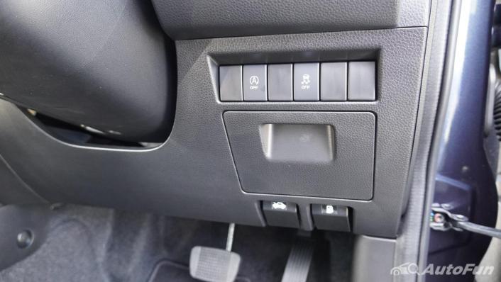 Mazda BT-50 Pro 2021 Interior 005