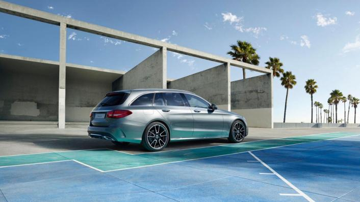Mercedes-Benz C-Class Estate Public 2020 Exterior 002