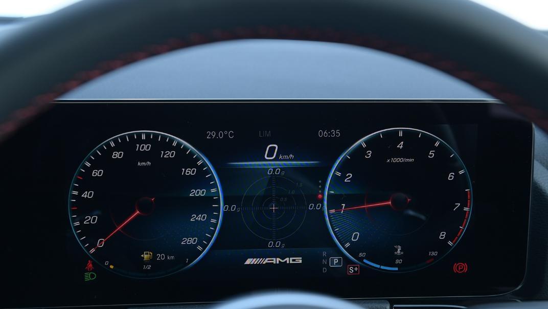 2021 Mercedes-Benz GLA-Class 35 AMG 4MATIC Interior 011