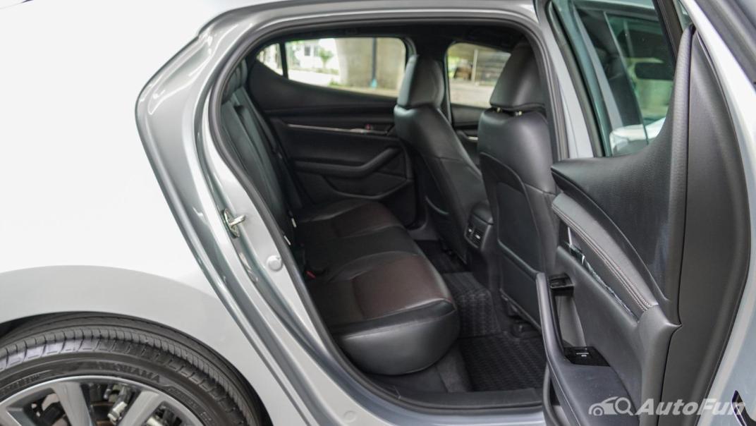 2020 Mazda 3 Fastback 2.0 SP Sports Interior 039