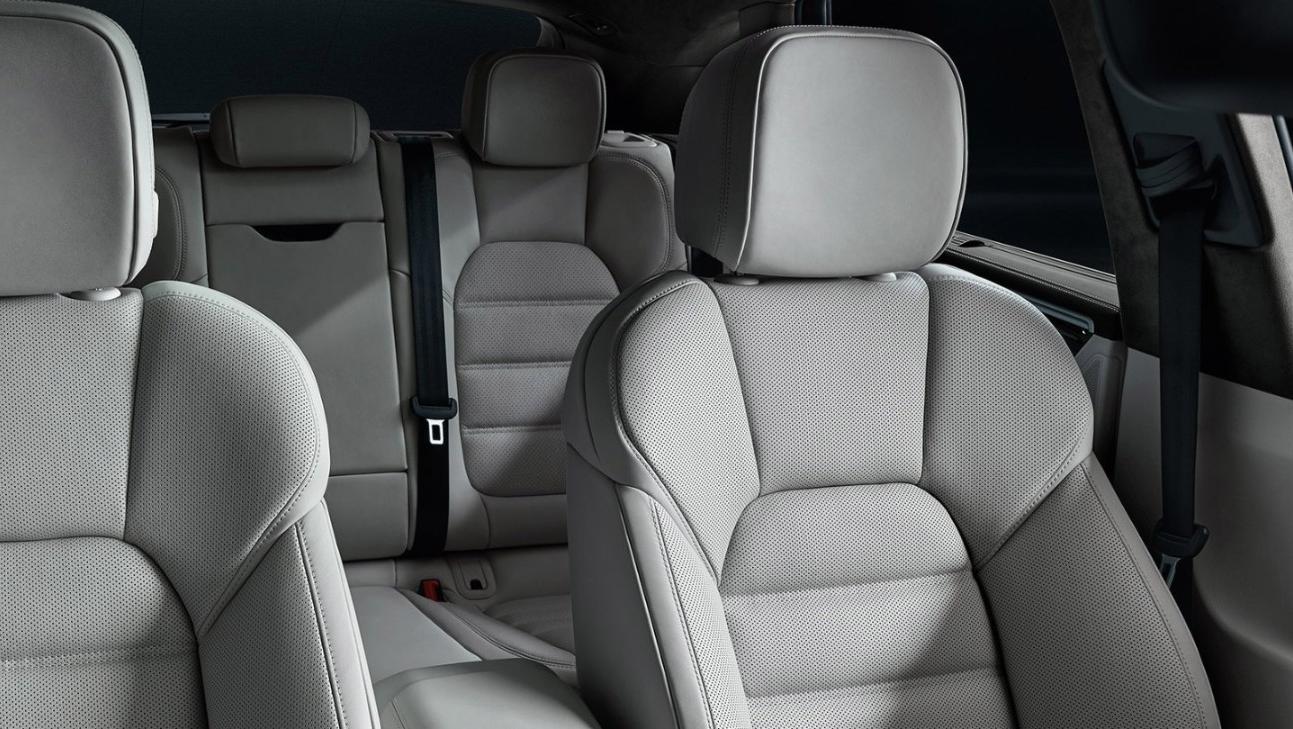 Porsche Macan Public 2020 Interior 005