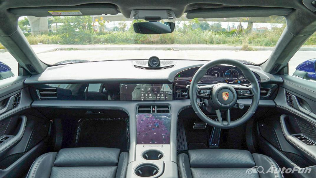 2020 Porsche Taycan Turbo Interior 001