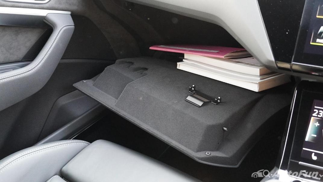 2020 Audi E Tron Sportback 55 quattro S line Interior 025