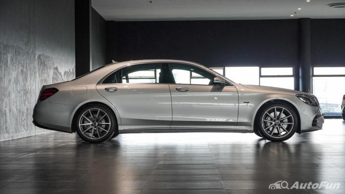 Mercedes-Benz S-Class S 560 e AMG Premium Exterior 004