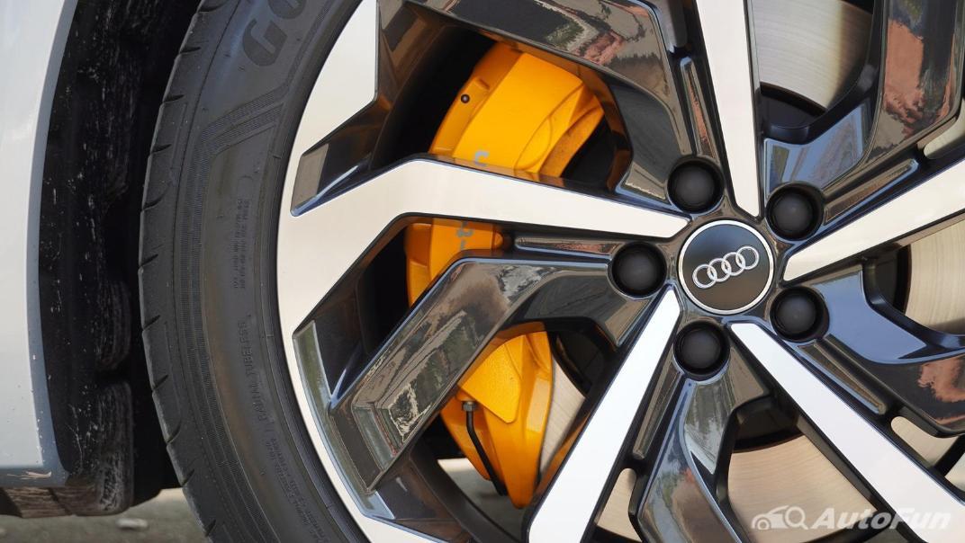 2020 Audi E Tron Sportback 55 quattro S line Exterior 044