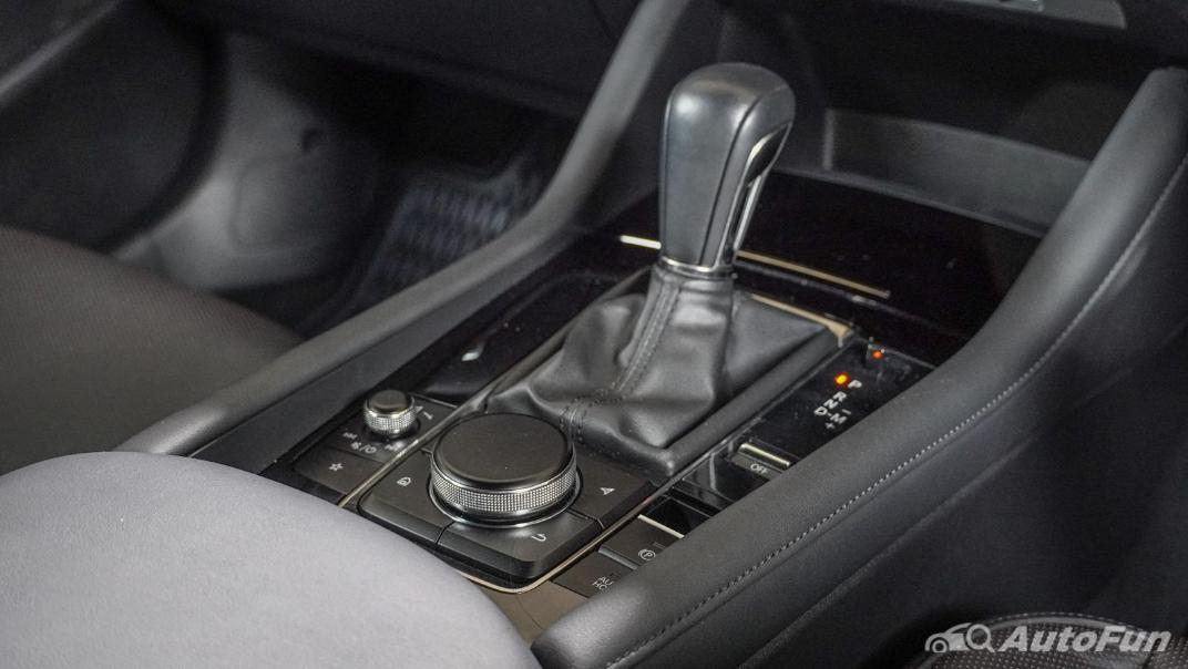 2020 Mazda 3 Fastback 2.0 SP Sports Interior 022
