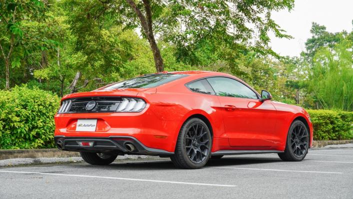 2020 Ford Mustang 2.3L EcoBoost Exterior 004