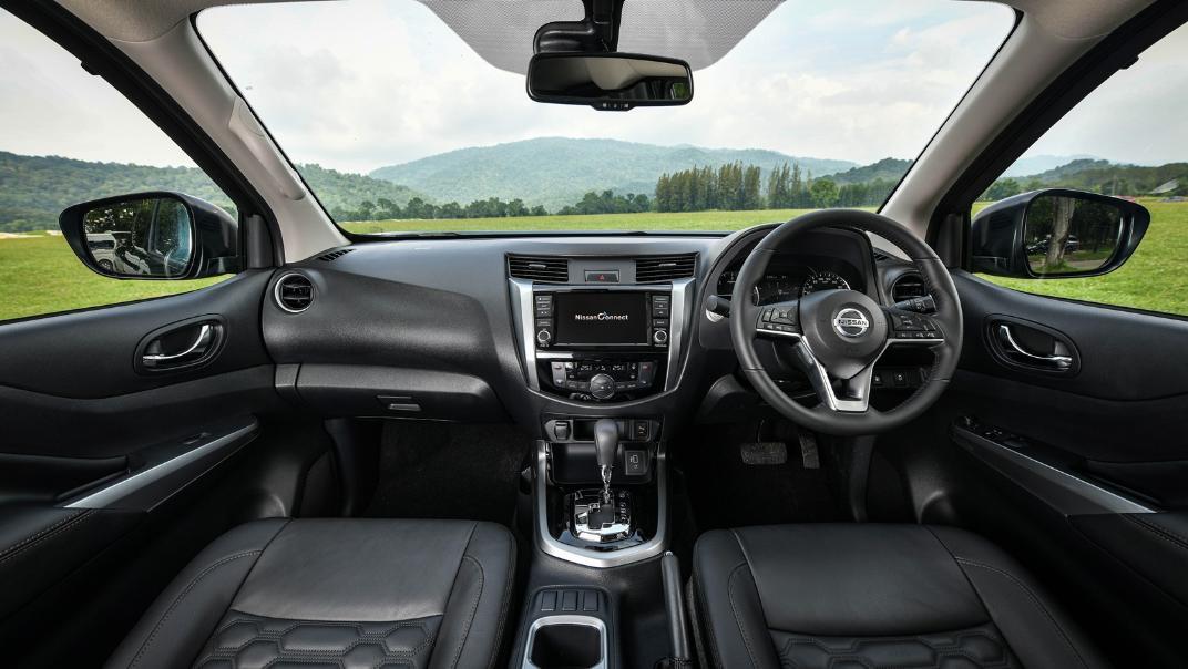 Nissan Navara 2021 Interior 021