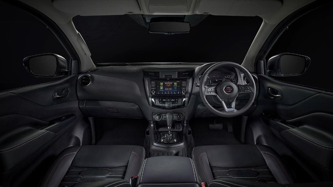 2021 Nissan Navara PRO-4X Interior 091