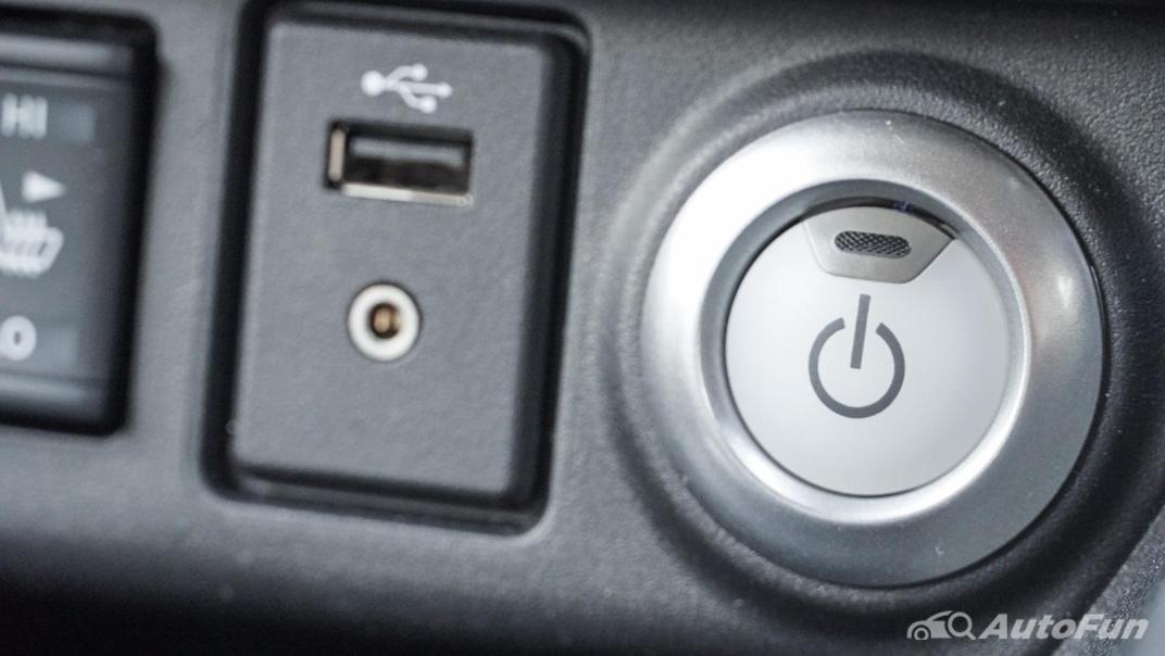 2020 Nissan Leaf Electric Interior 024