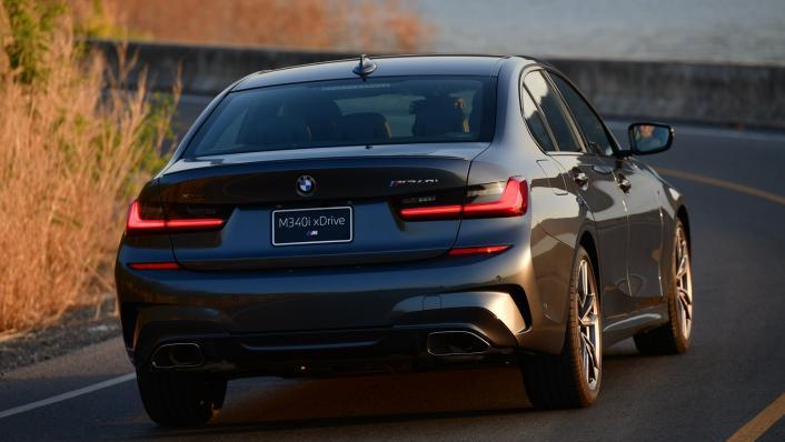 2021 BMW M340i xDrive Exterior 002