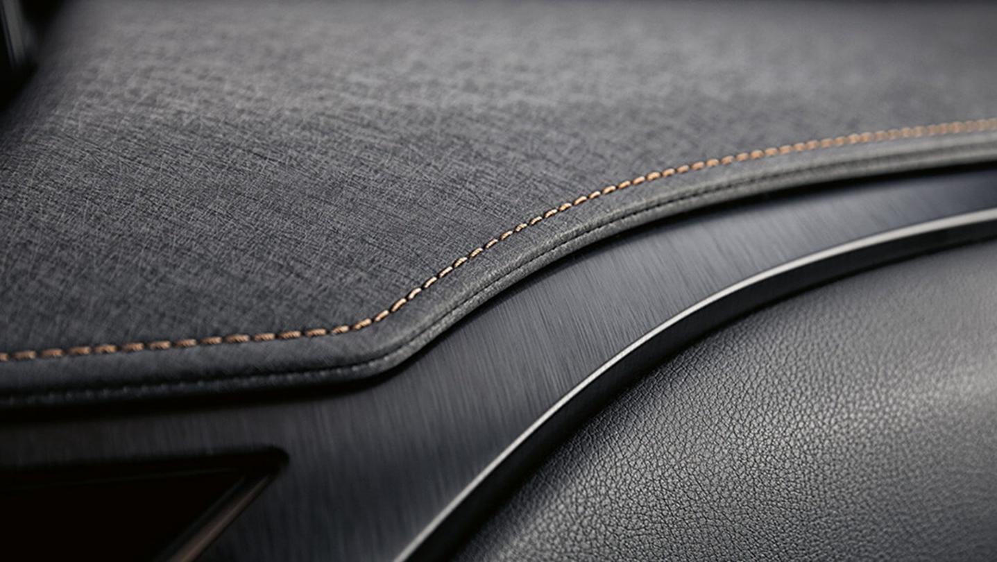 Lexus UX 2020 Interior 006