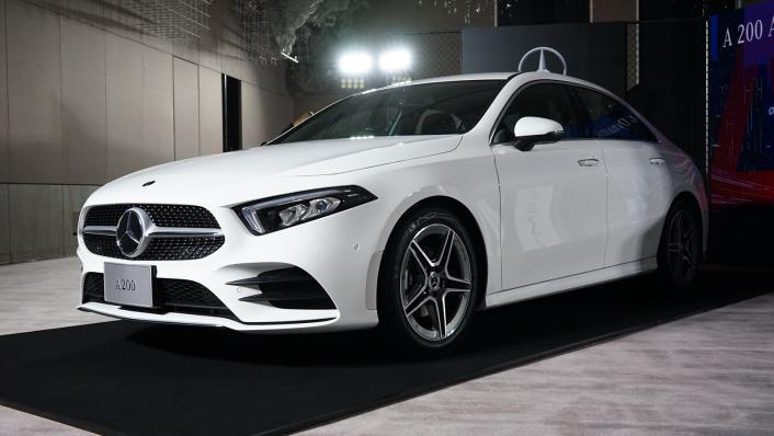 2021 Mercedes-Benz A-Class A 200 AMG Dynamic Exterior 001