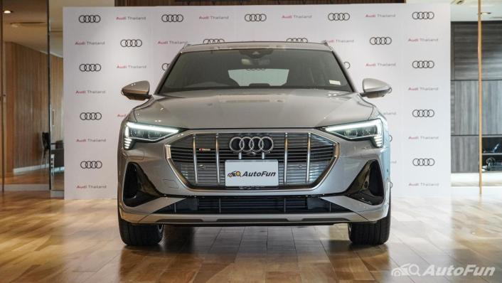 2020 Audi E Tron Sportback 55 quattro S line Exterior 010