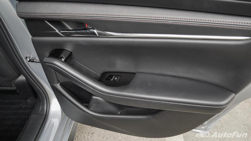 2020 Mazda 3 Fastback 2.0 SP Sports Interior 053