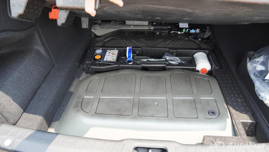 2021 Volvo S90 Recharge Interior 057