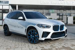 เผยภาพล่าสุดของ BMW X5 พลังไฮโดรเจนขับไฟฟ้า แต่ไม่เสียบปลั๊ก ดีทุกอย่าง ยกเว้นราคาเชื้อเพลิง