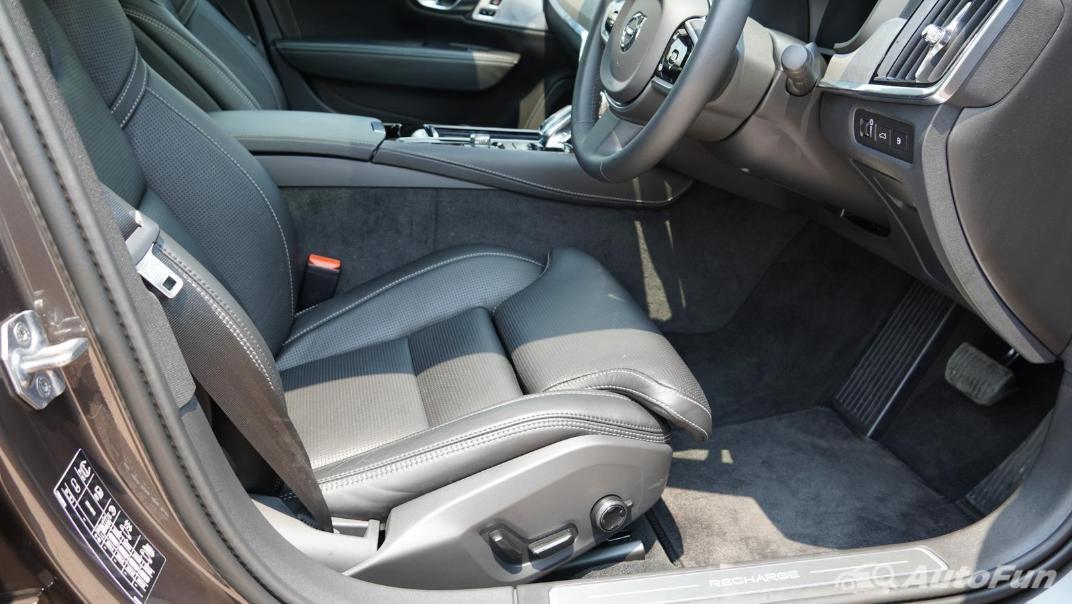 2021 Volvo S90 Recharge Interior 020