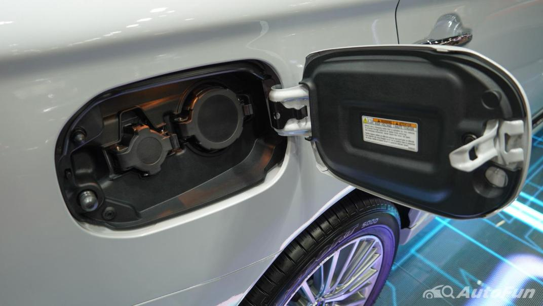2021 Mitsubishi Outlander PHEV GT Others 003